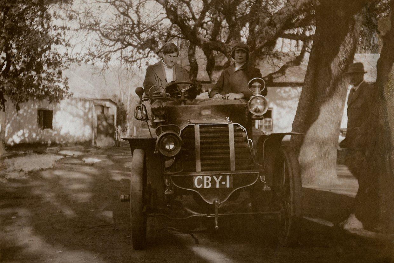 2. Snap no 2 - CBY 1 - Kluitjies Kraal Wolseley - Des Kenealey at wheel - Herold passenger.jpg