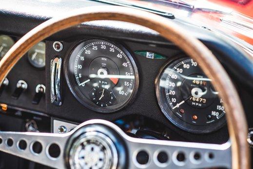 26. Jaguar E type series 1 3.8 (27 of 86).jpg