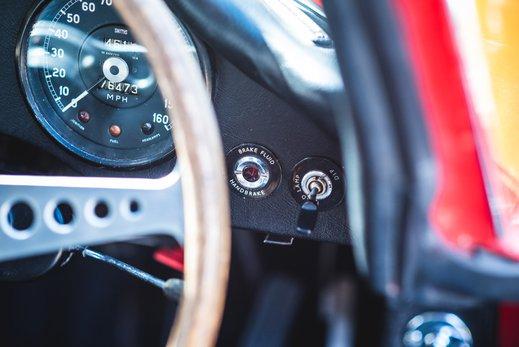 28. Jaguar E type series 1 3.8 (28 of 86).jpg
