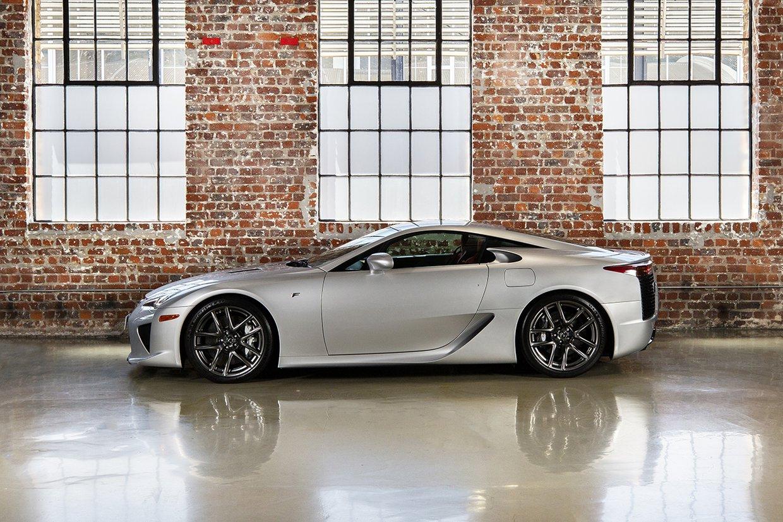 Lexus LFA - 1 of 500 Examples
