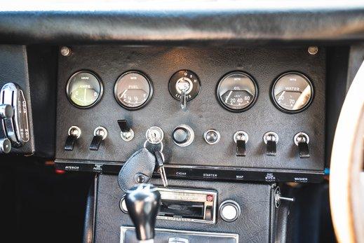 33. Jaguar E type series 1 3.8 (47 of 86).jpg