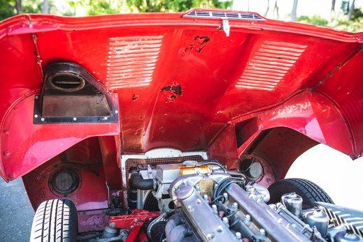 42. Jaguar E type series 1 3.8 (71 of 86).jpg