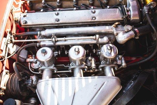 47. Jaguar E type series 1 3.8 (67 of 86).jpg
