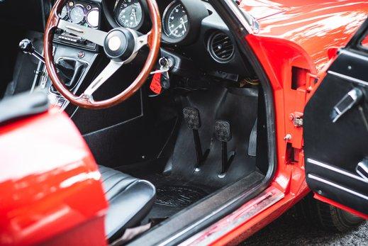 Alfa Romeo 2000 Gallery (16).jpg