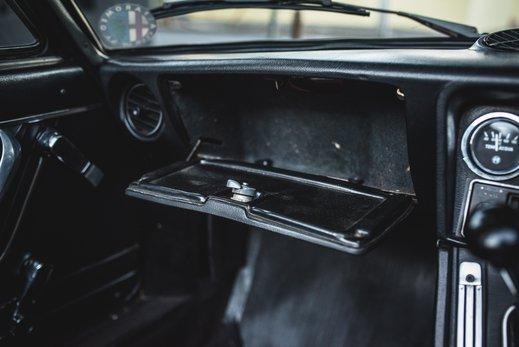Alfa Romeo 2000 Gallery (18).jpg