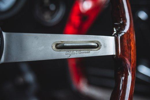 Alfa Romeo 2000 Gallery (21).jpg