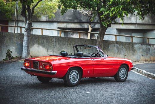 Alfa Romeo 2000 Gallery (37).jpg