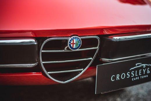 Alfa Romeo 2000 Gallery (5).jpg