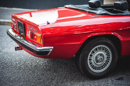 Alfa Romeo 2000 Gallery (6).jpg