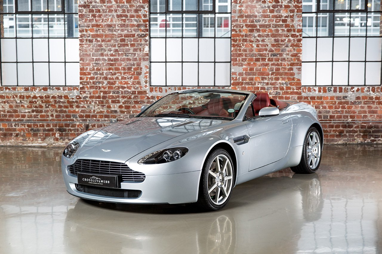 Aston Martin V8 Vantage Roadster - 10000Km
