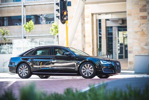 Audi A8L Security W12 (7).jpg
