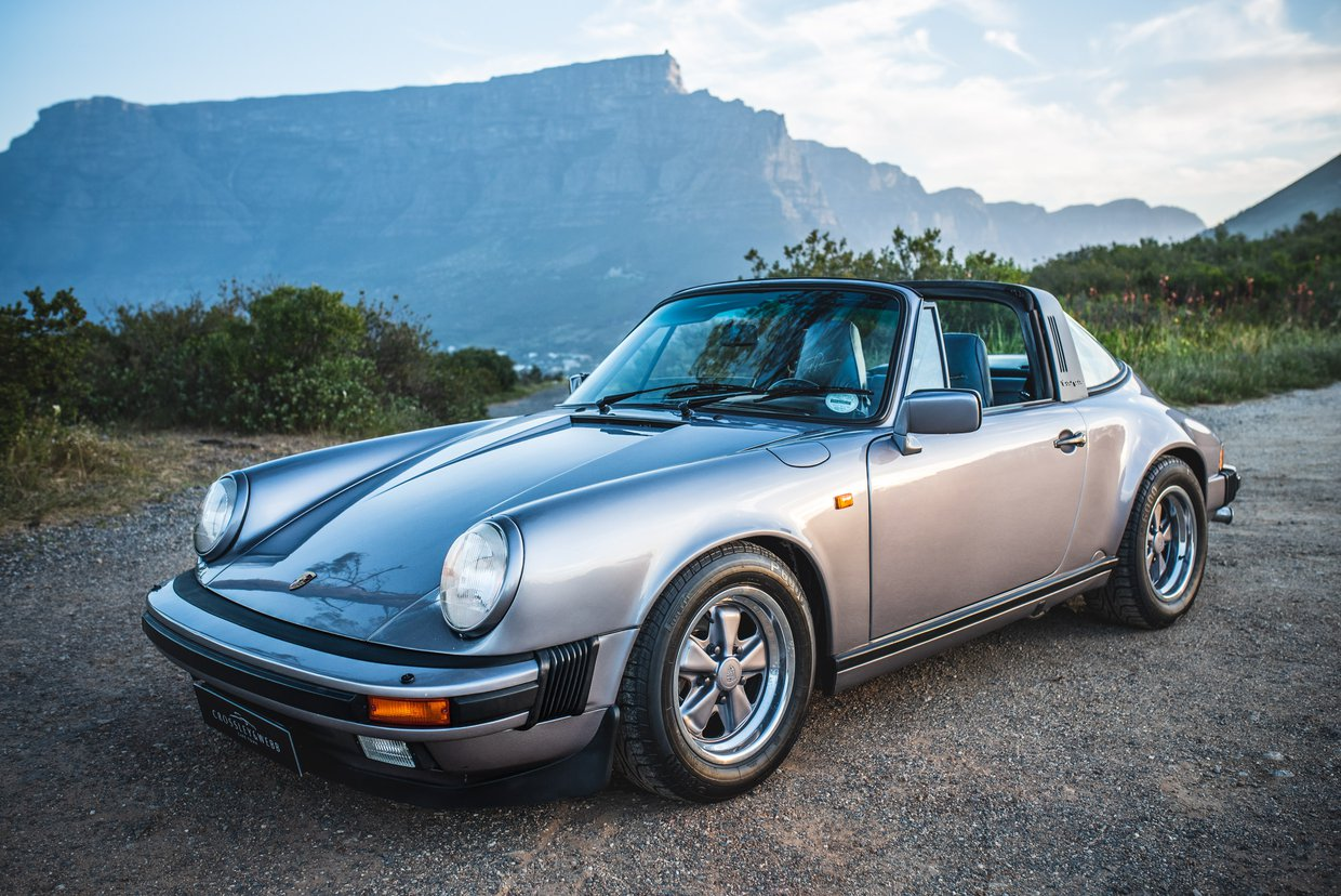 "Porsche 911 Carrera ""Commemorative  Edition"""
