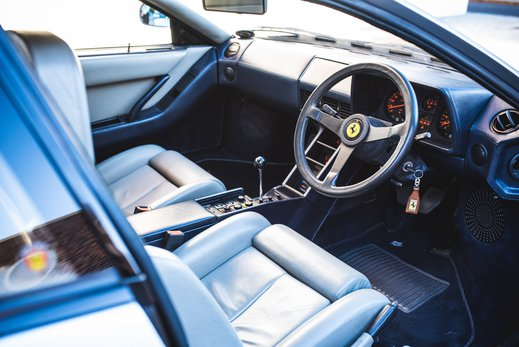 Ferrari Testarossa Silver (14).jpg