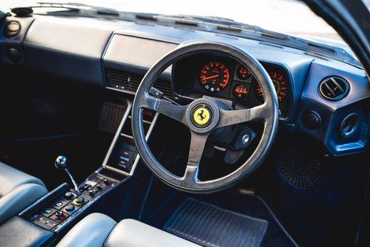Ferrari Testarossa Silver (18).jpg