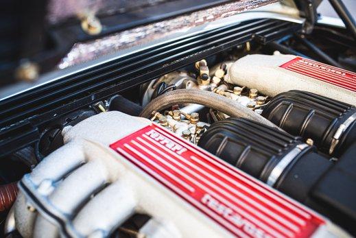 Ferrari Testarossa Silver (26).jpg