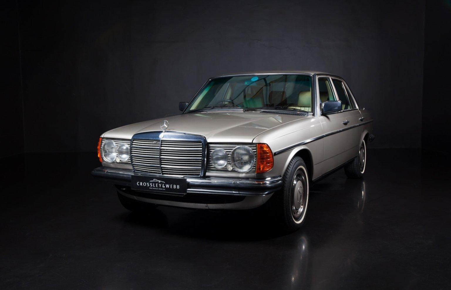 Mercedes Benz 230E