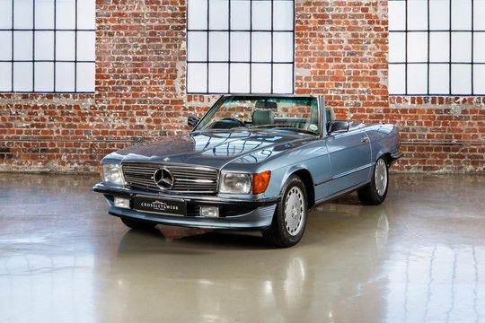 Mercedes Benz 300SL - R107 series