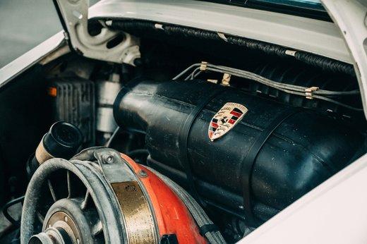 Porsche 911 SC Targa Gallery (1).jpg