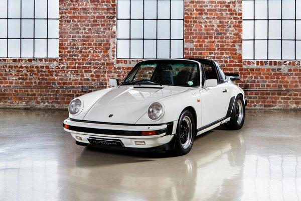 Porsche 911 SC Targa - Right hand drive