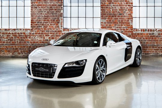 New Arrival - Audi R8 V10 - 6 SPEED MANUAL GEARBOX