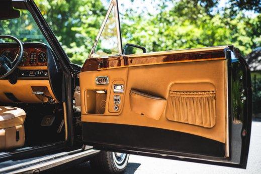 Rolls Royce Corniche Convertible (61 of 77).jpg