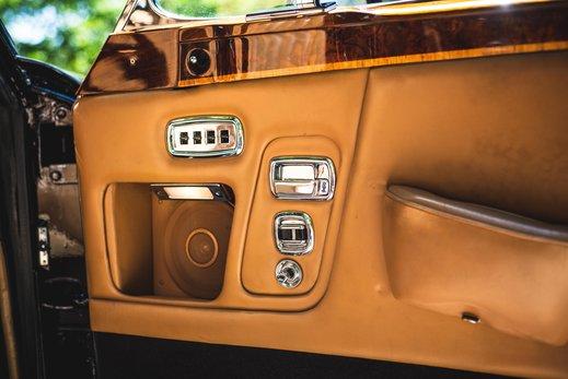 Rolls Royce Corniche Convertible (62 of 77).jpg